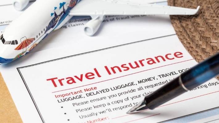 Travel insurance with Dubai tourist Visa